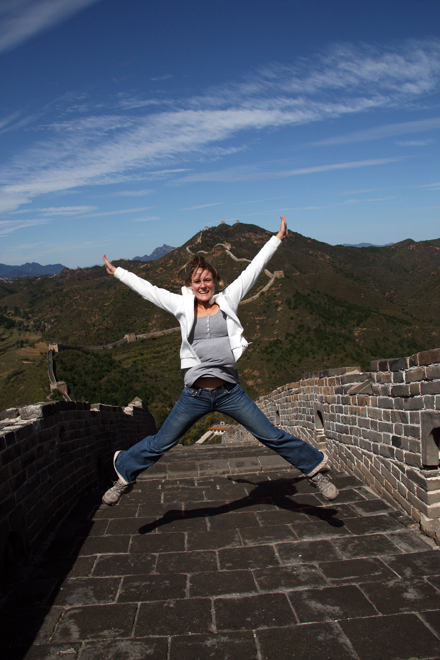 People_Silja_03.jpg - The Great Wall: Silja's jumping...