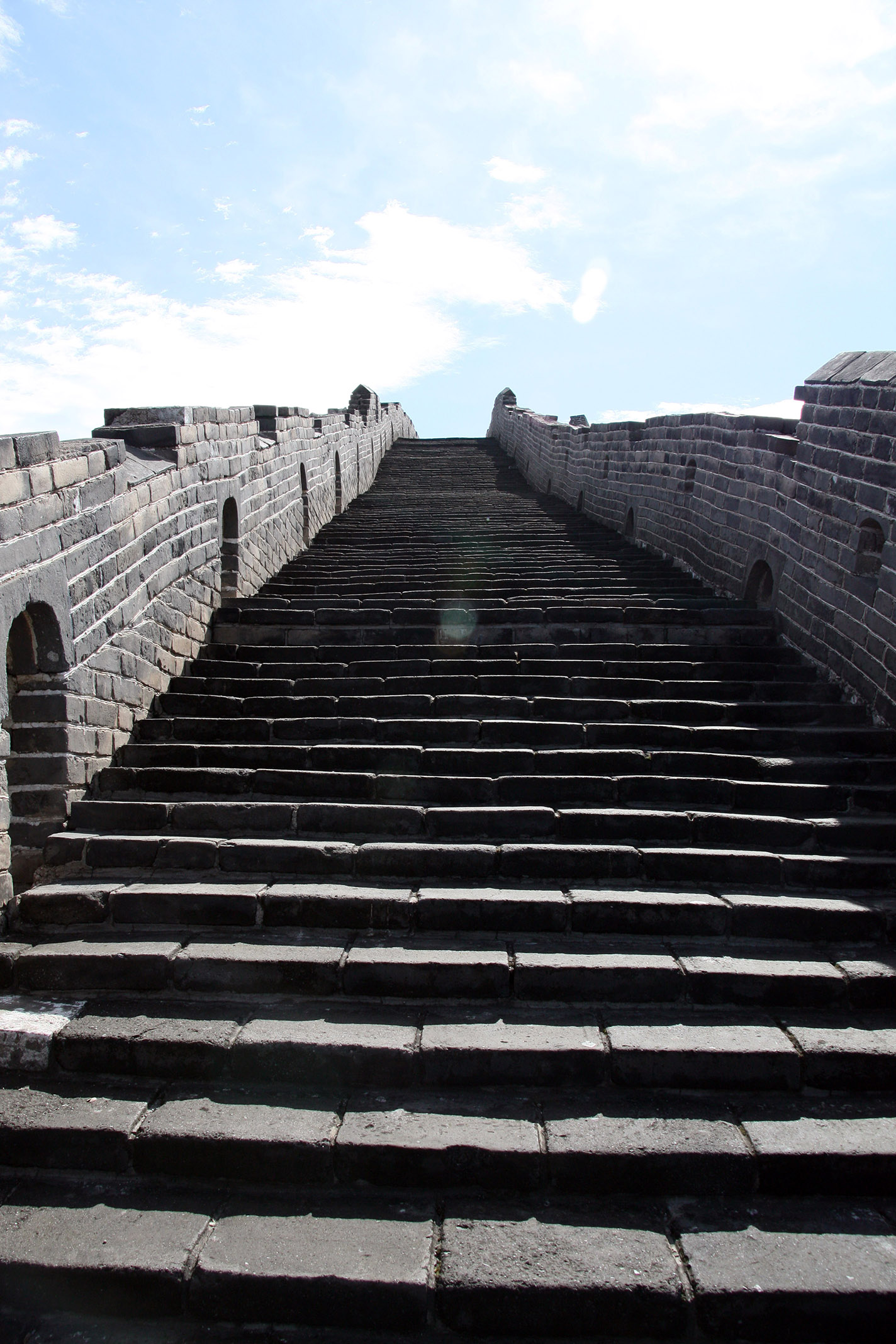 Starway_to_Heaven_1890.jpg - The Great Wall (at Simatai): A view from the top of the wall.. Stairs, stairs, stairs..